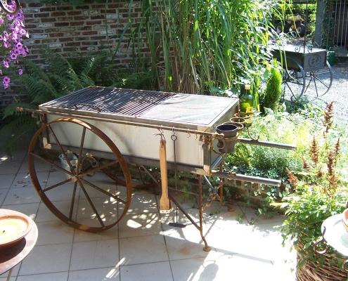 Siersmederij De Weerdt Tuin BBQ Stootkar